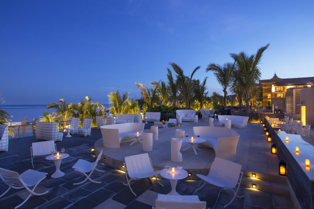 mulia bali resort sky bar